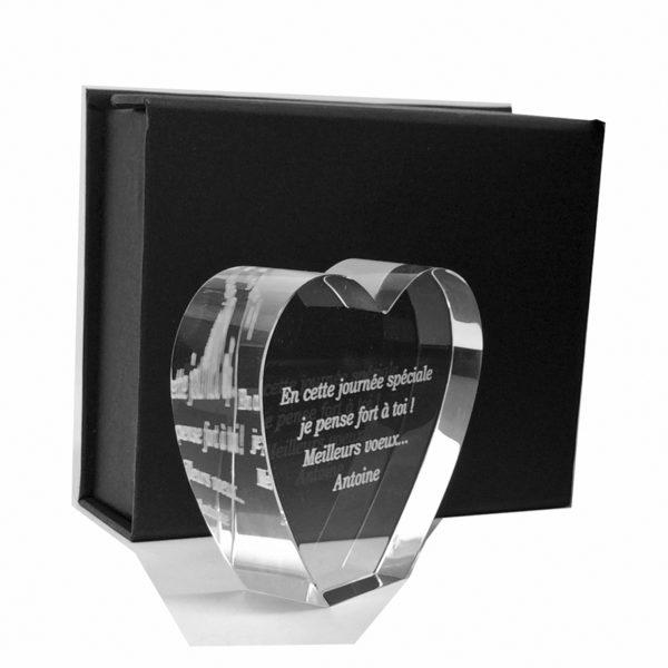 gravure dans presse papier coeur en verre