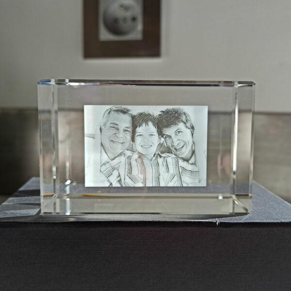 petit bloc de verre rectangulaire gravé avec photos